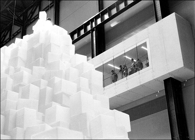 Tate Modern, 'Embankment' by Rachel Whiteread 2005.