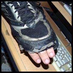 """""""Kind, kauf dir doch endlich mal neue Schuhe..."""