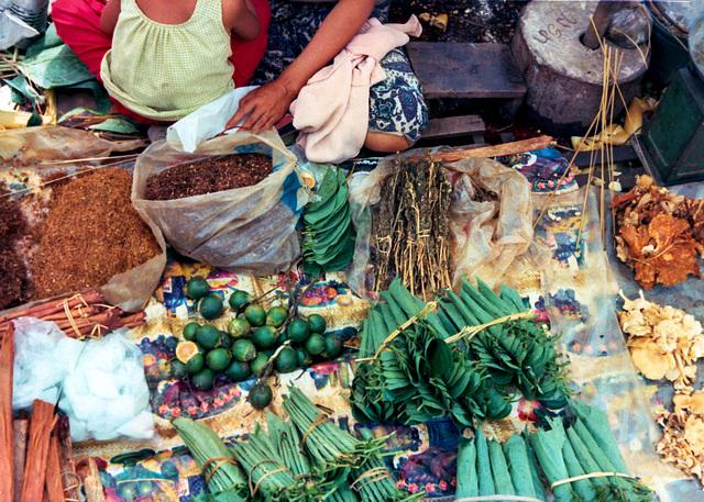Vientiane Market Smoke/Chew Sector