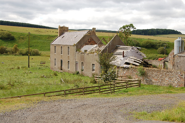 Derelict farmstead south of Chesters, Selkirk, Borders