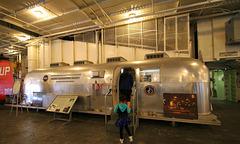 USS Hornet - Apollo Quarantine (2806)