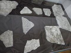 Sirmium : Décors en marbre