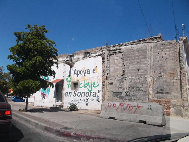 Muraille politique / Political wall.