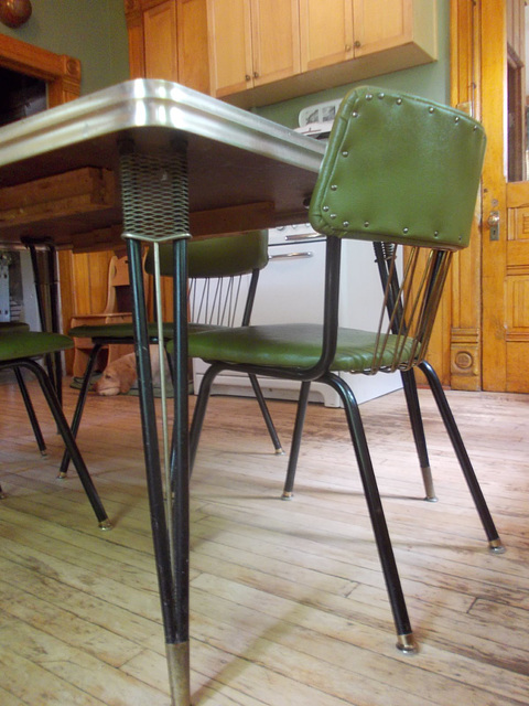 """New"" (vintage) kitchen chairs to go with Mom and Dad's old table"