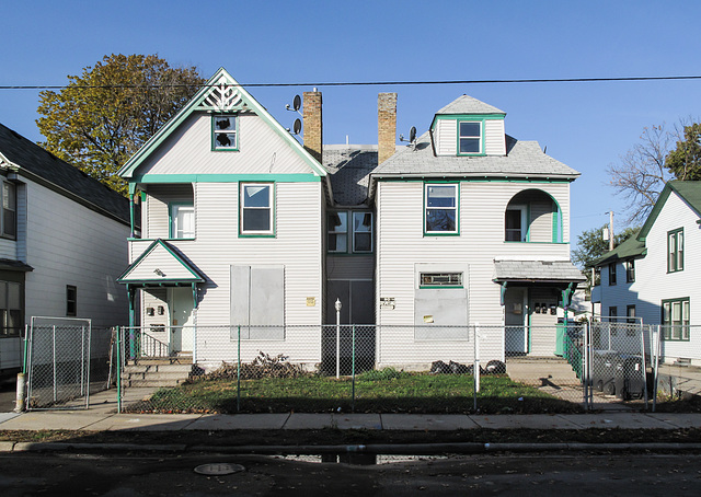 Maybe if the 2 houses hadn't've gotten conjoined @ their backsides, one of them could still be allowed to thrive.