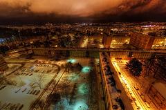 BELFORT: Lumière de ville après une chute de neige.