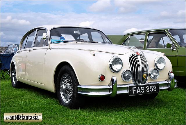 1961 Jaguar Mk2 - FAS 358