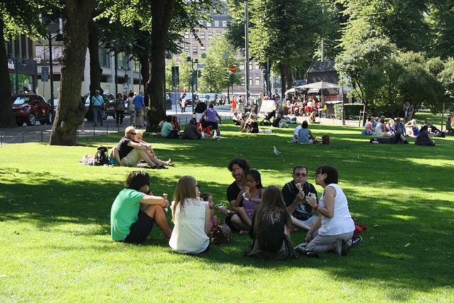 am Wochenende auf der Esplanade in Helsinki
