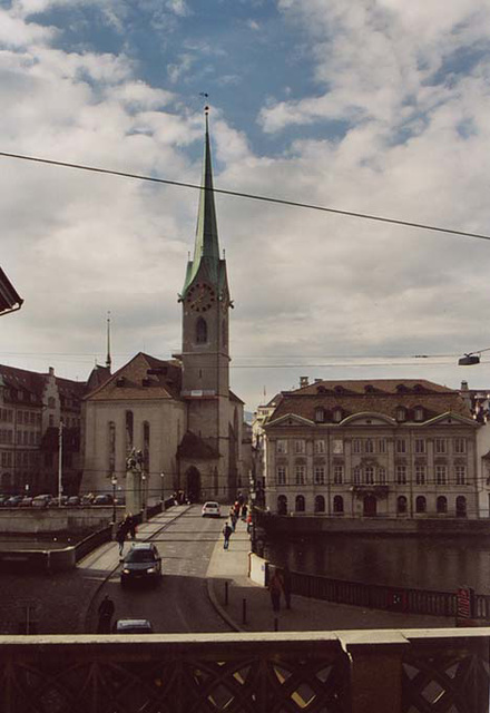 View of the Frauenkirche in Zurich, November 2003