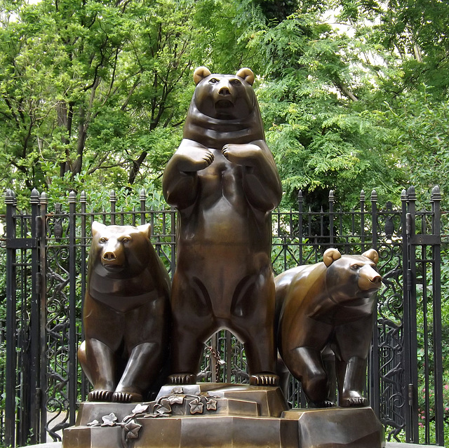 Group of Bears by Paul Manship in Central Park, June 2012