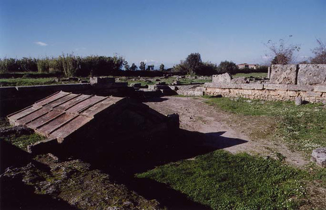 The Heroon in Paestum, November 2003