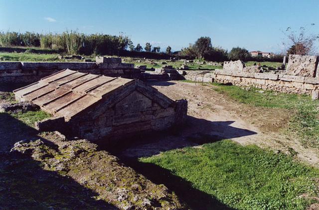 The Heroon in Paestum, November 2003