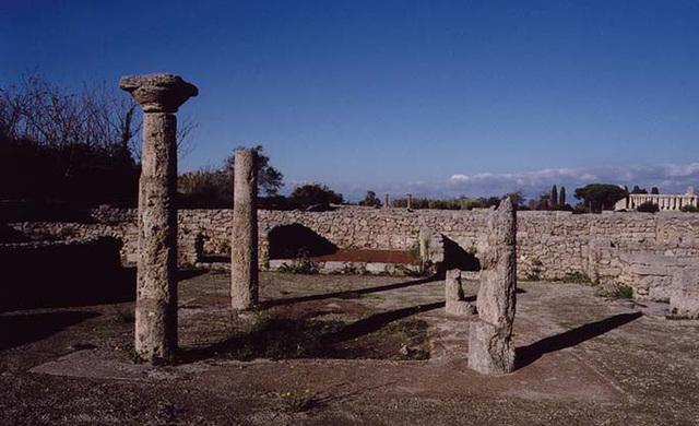 A Roman Atrium House in Paestum, 2003