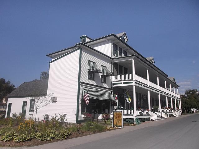 Park Antiques building / Maison ancienne et Antiquités - Wellesley Island state park / Version Krisontème.