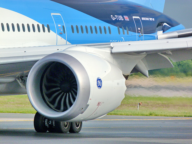 Dreamliner power
