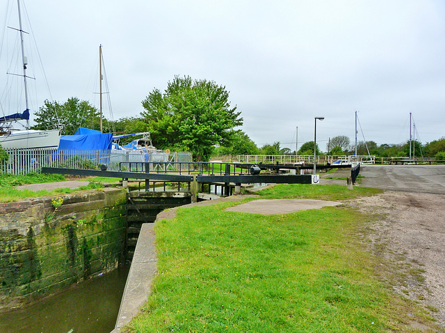Fiddlers Ferry Lock 2