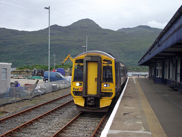 158705 in the Down platform at Kyle