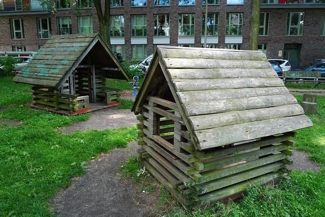 spielplatz-huette-1160660
