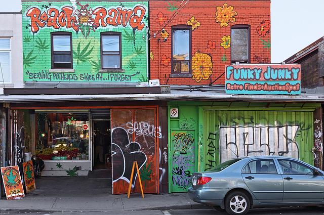Roach-O-Rama – Augusta Avenue at Baldwin Street, Toronto, Ontario