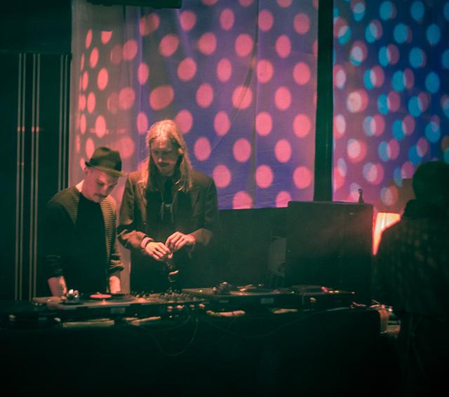 Idle DJs