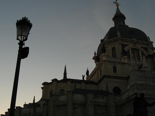 Catedral de la Almudena at dusk