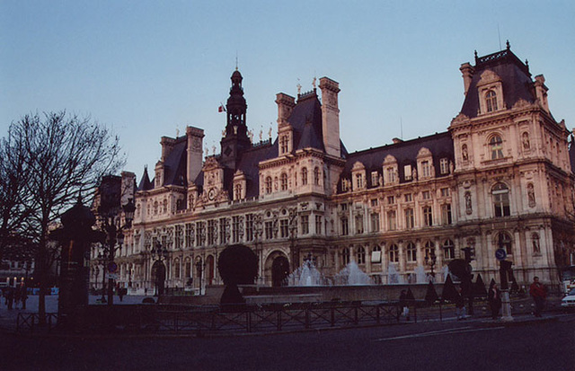 Hotel De Ville in Paris, March 2004