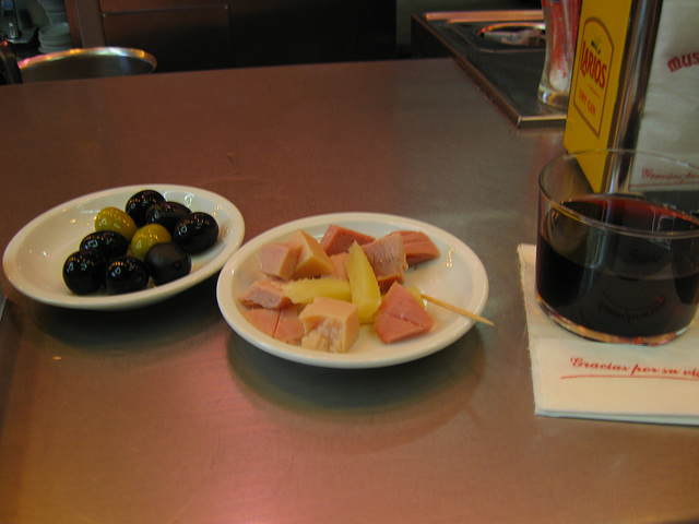 Tapas & wine at Museo del Jamon