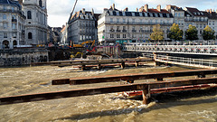 BESANCON: Travaux du tram: reconstruction du pont Battant 01.