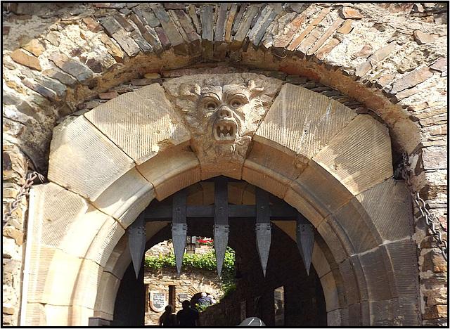 Burg Thurant 009