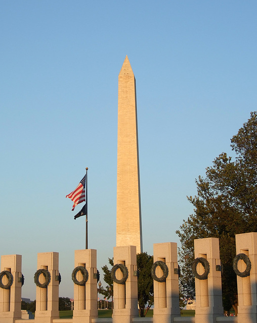 The WWII Memorial and the Washington Monument, September 2009