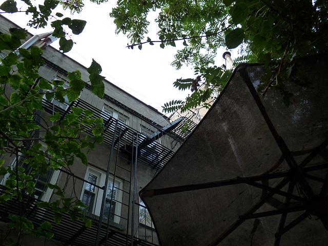 Yama patio