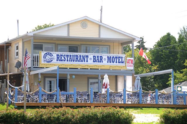 Island Bar & Grill, Hilton Beach