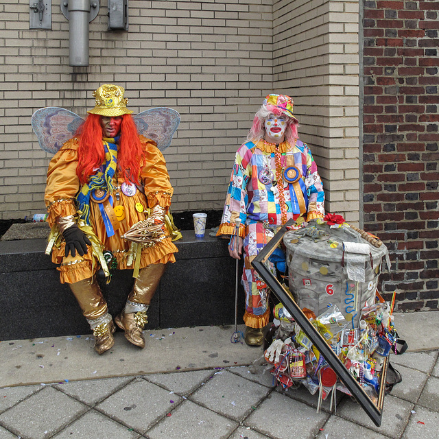 Smiling Philadelphians!, of Philadelphia Mummers' Day Parade of New Year's Day '10.