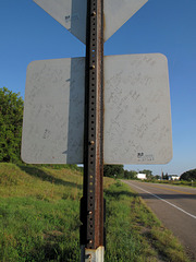 Upon the backside of the roadsign are scrawled: Notes about the weather conditions of various days in the winter-spring of the year '07.