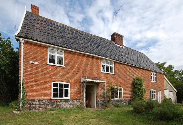 Pine Tree Cottage, Mill St, Middleton (2)