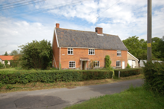 Pine Tree Cottage, Mill St, Middleton (3)