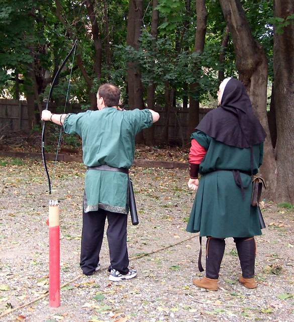 Lord Friedrich Teaching Archery at Agincourt, November 2007