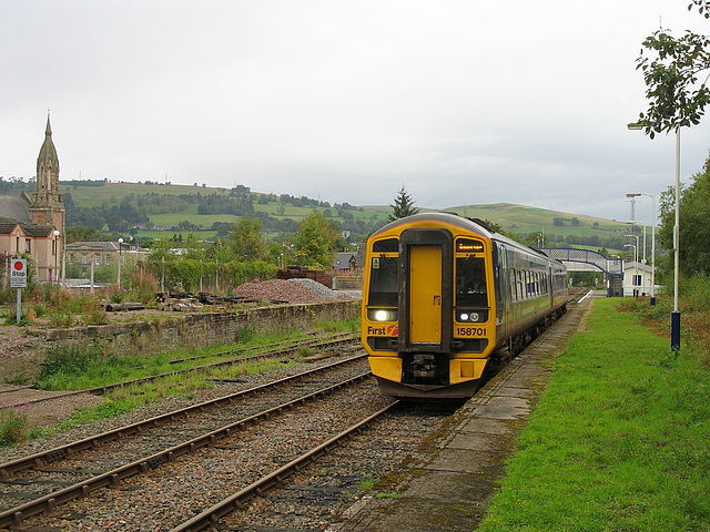 158701 departs Dingwall on a Sunday