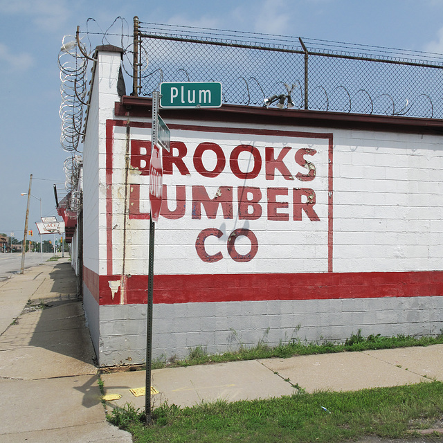 Ol' Brooks'll shred you up like plums on a cheesegrater.