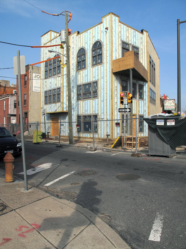 Underway @ 15th & Passyunk in S Philadelphia!: Some kind of a new effort is in progress currently.