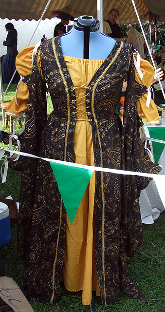Dress at the Fort Tryon Park Medieval Festival, October 2009