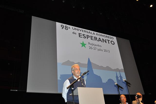 Mi salutis nome de Hispanio ĉe la kongresejo de Rejkjaviko