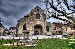 PESMES: L'Eglise Saint-Hilaire (HDR ).