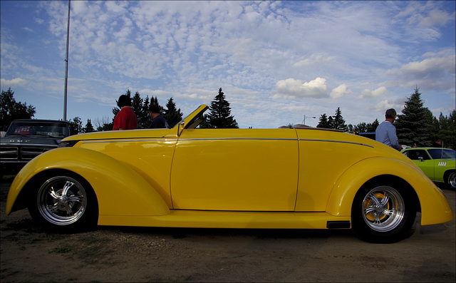 1937 Ford 01 20130808
