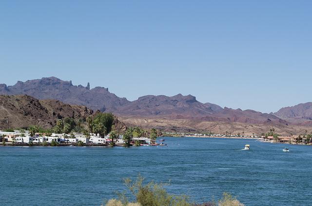 Parker, AZ: Colorado River & California (0680)