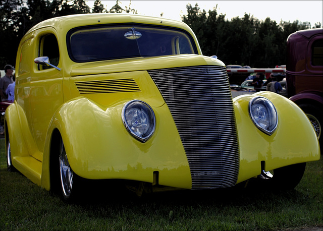 1937 Ford 00 20130808