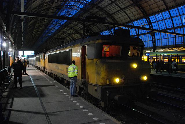 Railion 1609 ready to depart