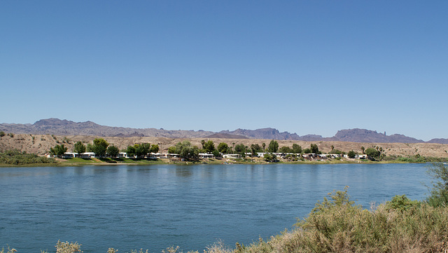 Parker, AZ: Colorado River & California (0676)
