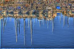 FREJUS: Reflet de bateaux à Port-Fréjus.