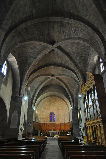 FREJUS: Cathédrale Saint Léonce.